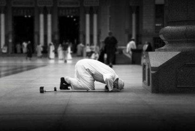 تفسير حلم رؤية الصلاة ومن يصلي في المنام لابن سيرين