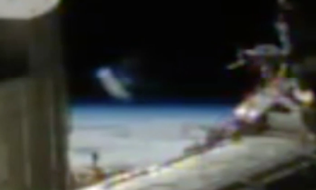 UFO News -  Cylinder UFO Seen On Live NASA Camera plus MORE ISS%252C%2Bspace%2Bstation%252C%2BLazar%252C%2BArea%2BS4%252C%2BUFO%252C%2BUFOs%252C%2Bsighting%252C%2Bsigthtings%252C%2Balien%252C%2Baliens%252C%2Bspace%252C%2Bnews%252C%2Btech%252C%2Bworld%252C%2Bmoon%252C%2Bgoogle%252C%2Bbase%252C%2Bbuildings%252C%2Bstructures%252C%2BW563