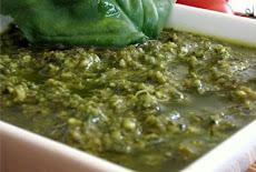 المكونات الأصلية لعمل صوص البيستو Pesto Sauce