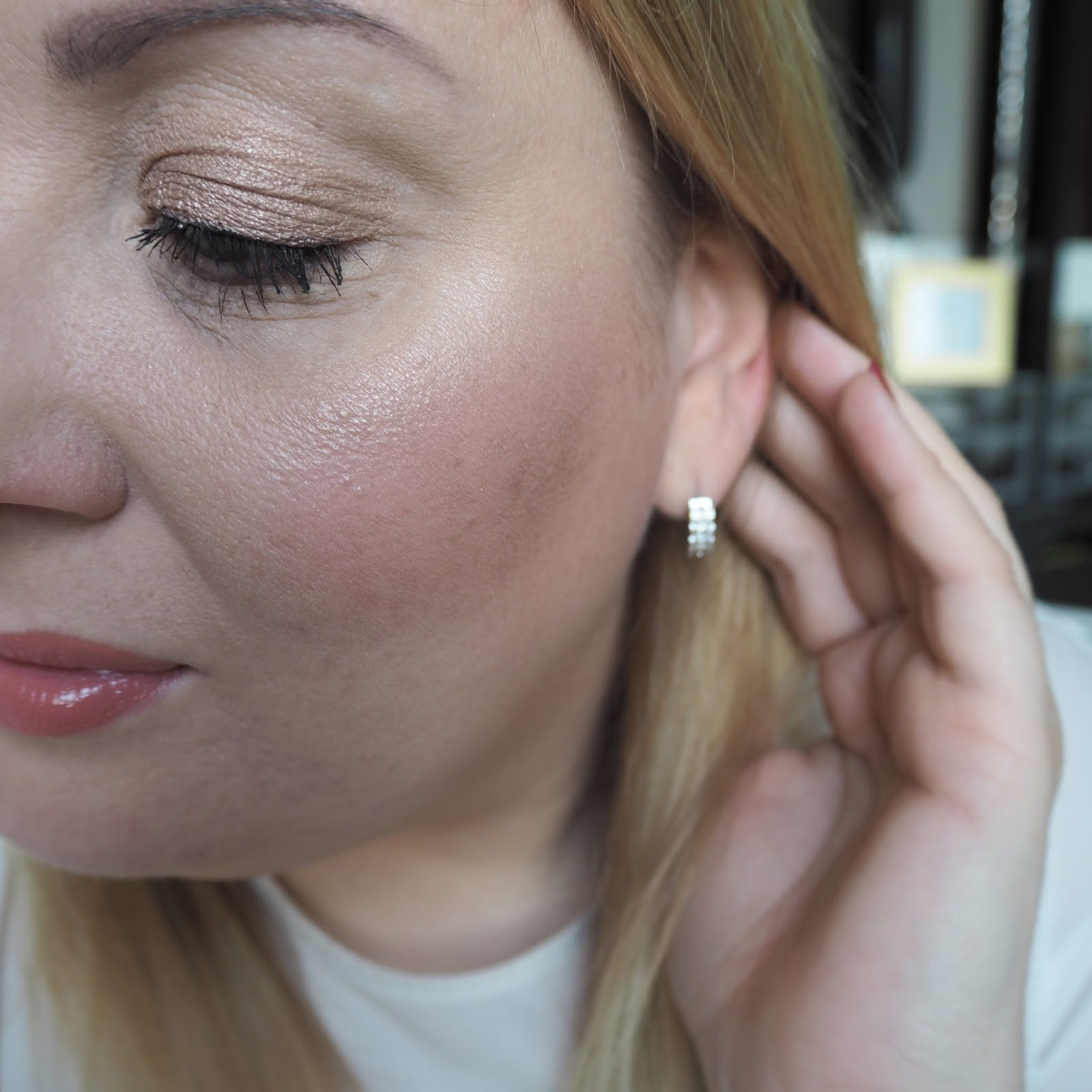 Anastasia Glow Kit in Gleam review Crushed Pearl