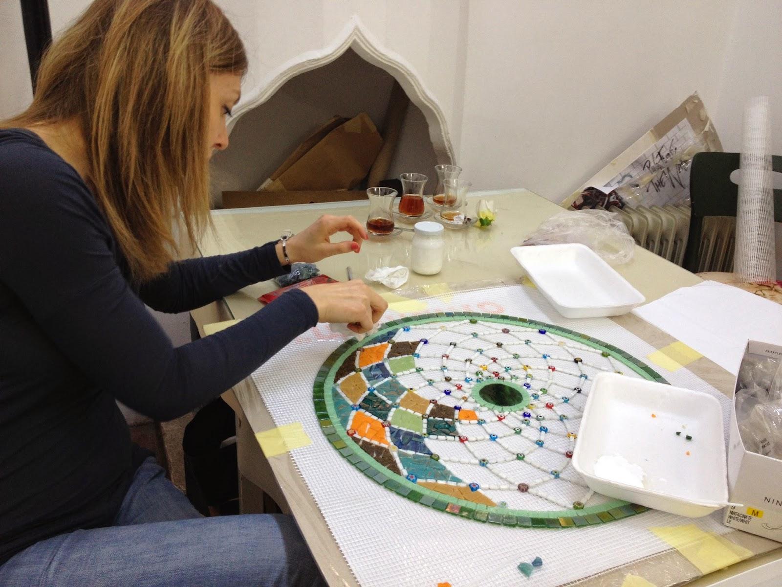 mozaik masa nasıl yapılır.
