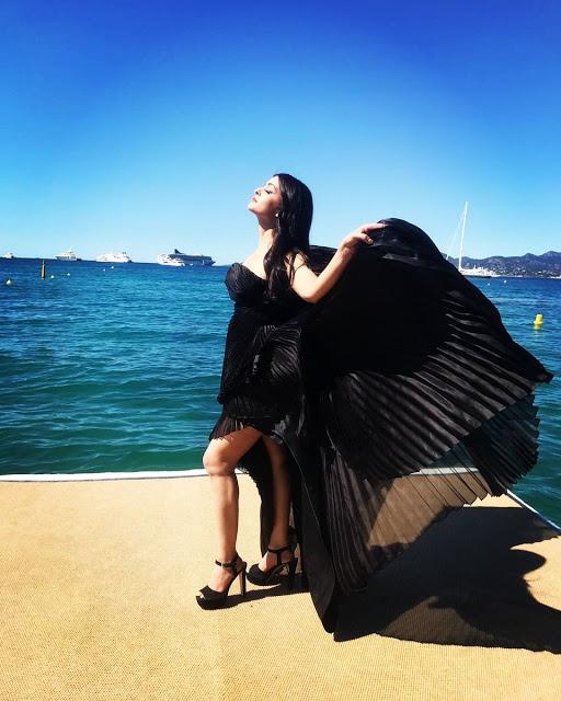 Aishwarya Rai Bachchan Photos at Cannes 2017 Day 2 Stills