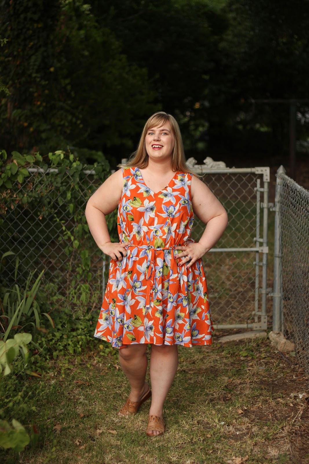 Idle Fancy: Miss Gloria Feels the Heat: Papercut Sway Dress