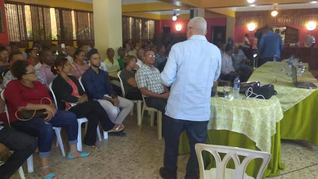 El PRM celebró importante Charla Conferencia en el Restaurant María Montéz Barahona.