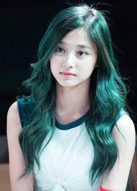 Nhuộm tóc màu Xanh Ngọc Lam Turquois có ý nghĩa thế nào về phong thủy