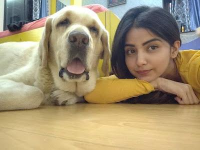 Kashmira Pardeshi with dog Shiro
