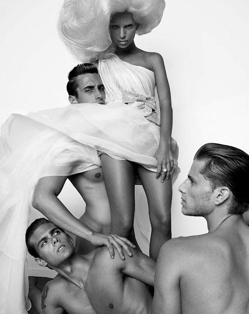 Emily Ratajkowski Treats Magazine Nude Photoshoot