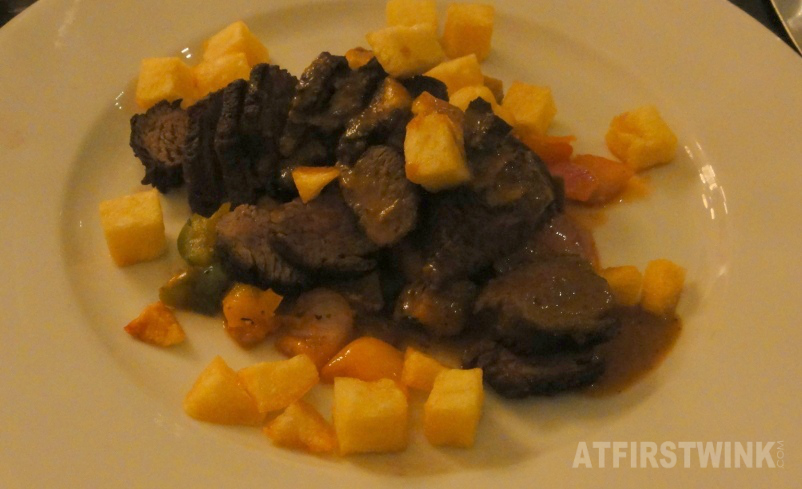 Diamanthaas (well-done) met ratatouille, pommes carres en Dyon mosterdsaus | Restaurant Rodin Rotterdam