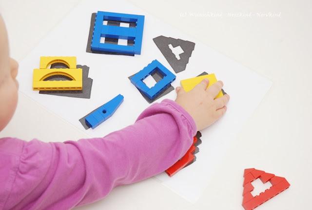 Lernen mit Lego. Mit dieser Lernanregung können die Kinder spielerisch ihre Zuordnungsgabe, das räumliche Denken und die Kombinantionsgabe fördern. Es ist schnell gemacht und immer wieder neu gestaltbar.