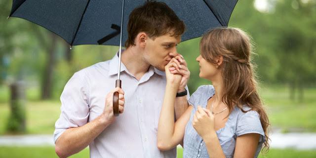 Tetap Bertahan Jika Bisa Mencintai, Kamu Pun Berhak Dicintai