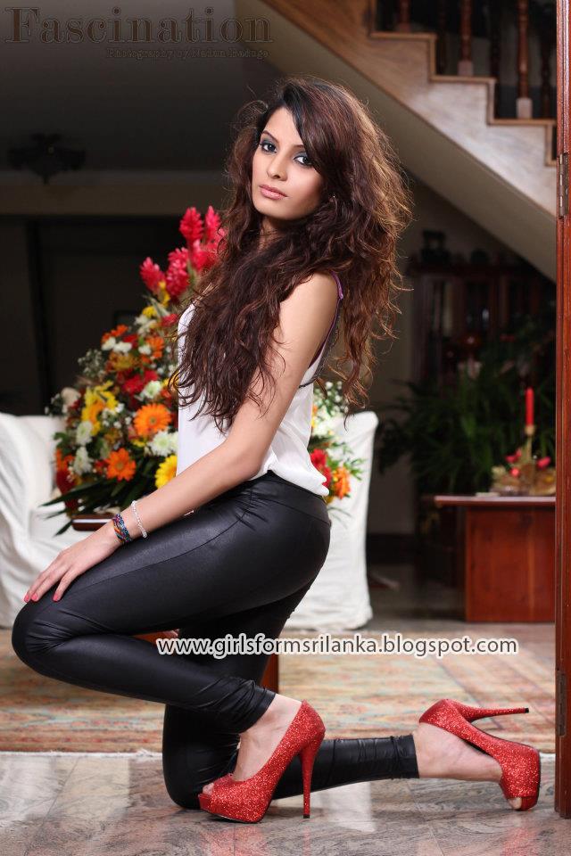 Piumi Hansamali Photo Gallery, HD Picture, Sexy Images