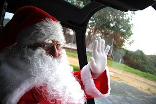 Papai Noel troca trenó por helicóptero em Registro-SP
