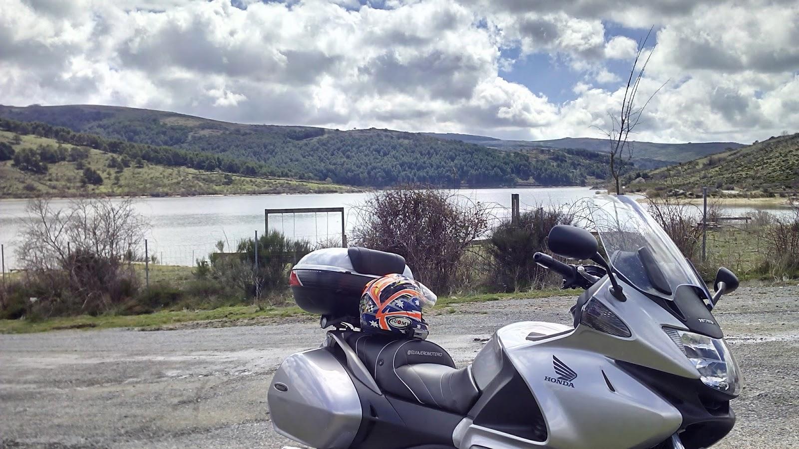 ruta en moto por el Monte de Abantos