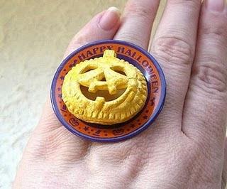 Diseño de anillo muy creativo e inusual en forma de pay de calabaza