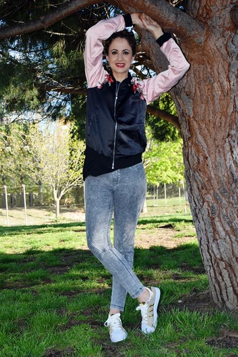 Outfit-cazadora-bicolor-parches-4