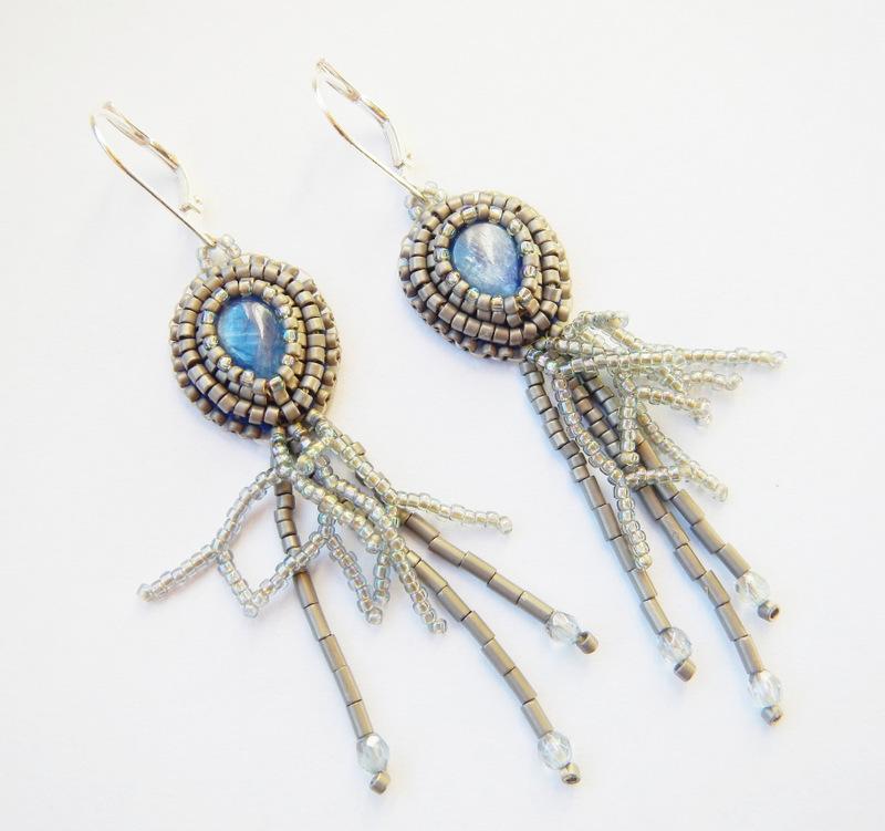 Kolczyki z kyanitem haft koralikowy