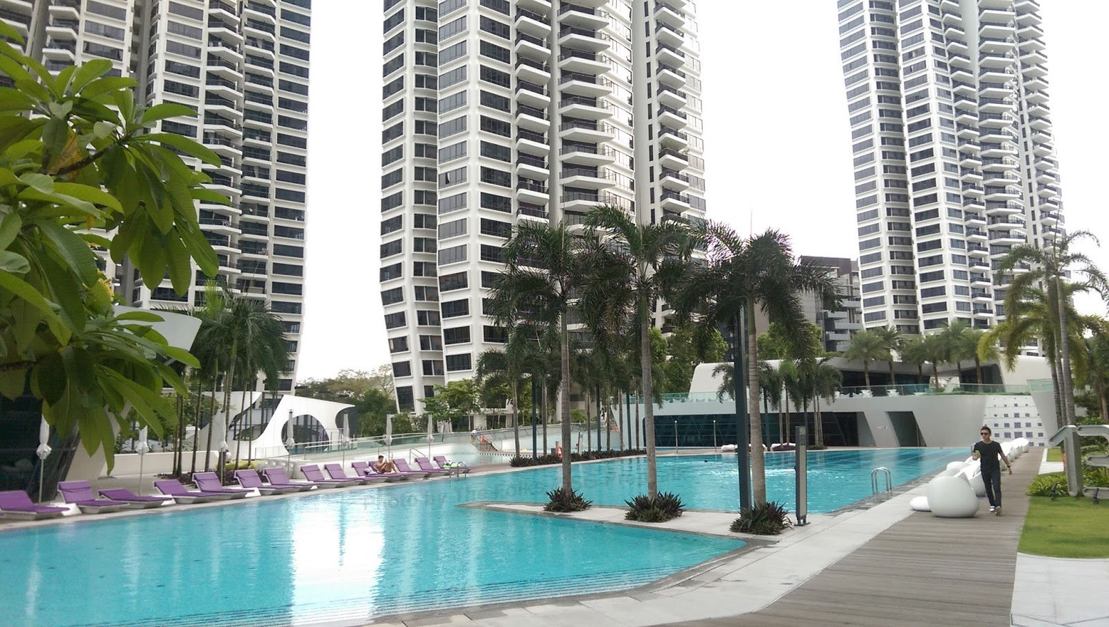 Walking around the grounds of d 39 leedon sg proptalk - Swimming pool leipzig ...