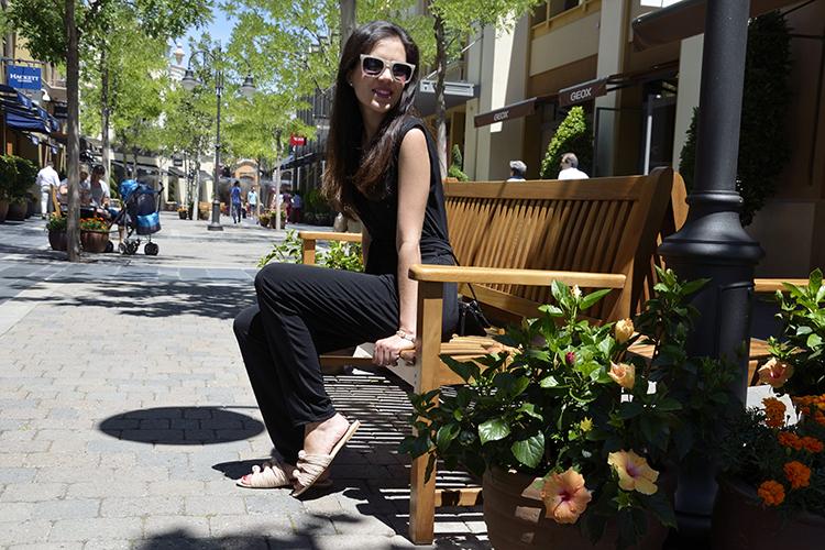 look-blogger-trends-gallery-blog-mono-negro-las-rozas-village