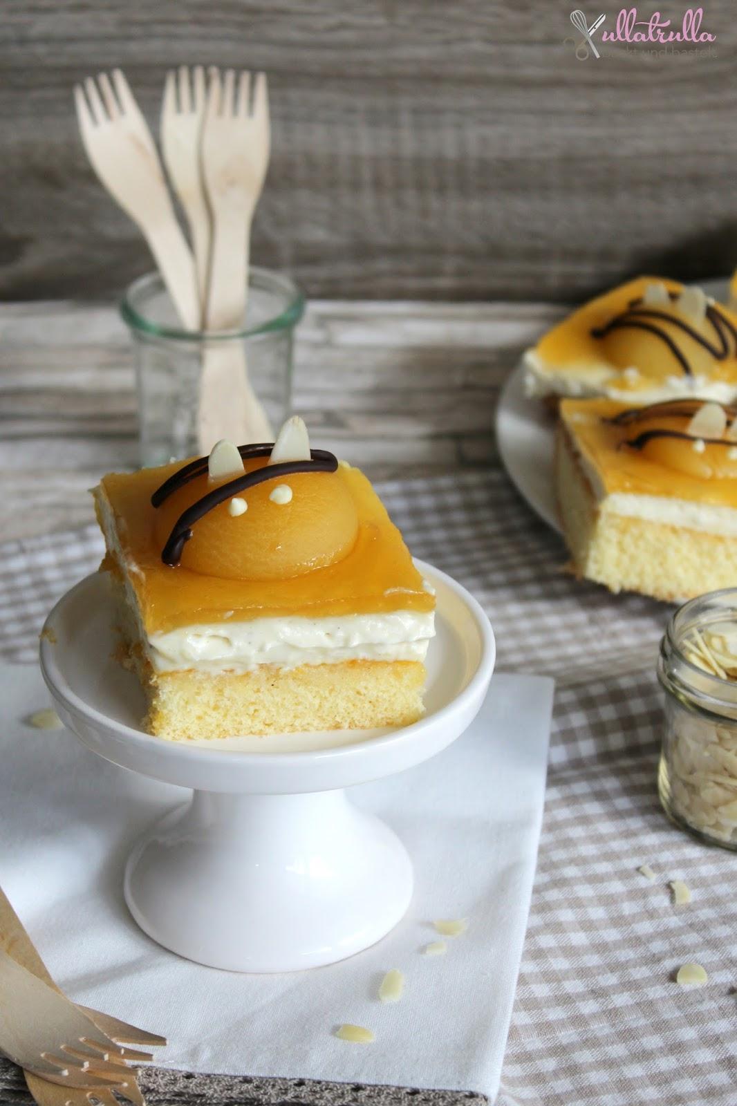 Ullatrulla Backt Und Bastelt Aprikosen Schmand Kuchen Im Bienchen Look