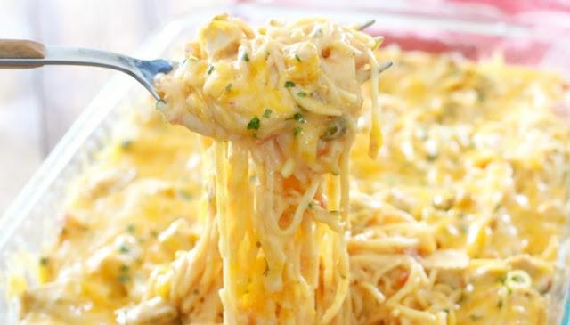 Creamy Cheesy Chicken Spaghetti #dinner #chickenrecipe