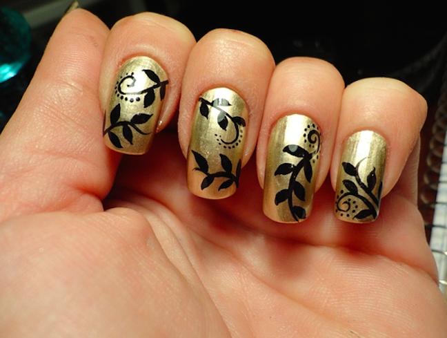 Uñas Negras Con Dorado Diseños Fantásticos Moda Y