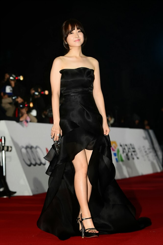 Park Bo Young  (박보영) - 34th Blue Dragon Film Awards (청룡상) on on 22 November 2013