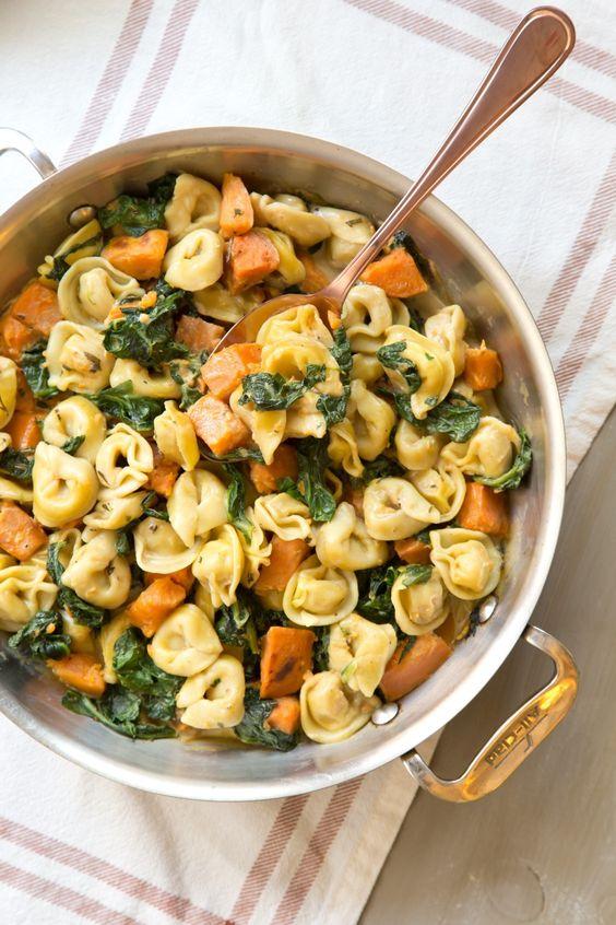 Creamy Skillet Tortellini with Sweet Potato and Spinach #tortellini #sweetpotato #potato #spinach #dinner #dinnerideas #dinnerrecipes #easydinnerrecipes