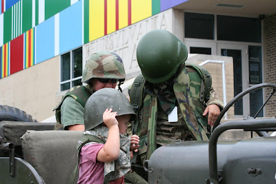 Kids-in-military-gear-at-PA-Military-Museum