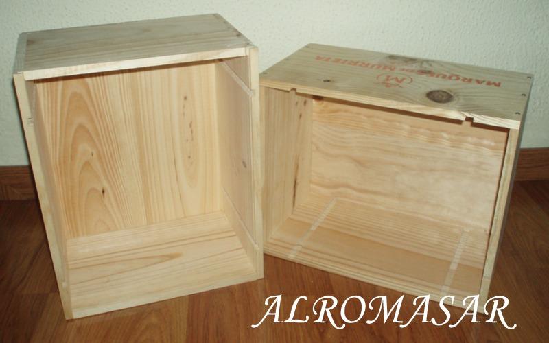 ALROMASAR Estanteria para aseo reciclando cajas de vino
