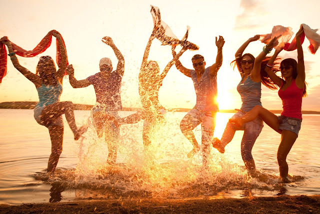 8 Must Do Things For Ultimate Happiness !