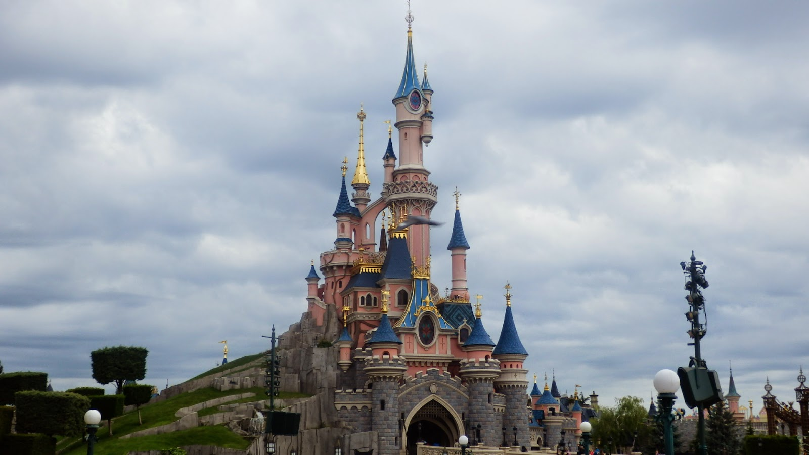 Snow Whites Castle Disneyland Paris