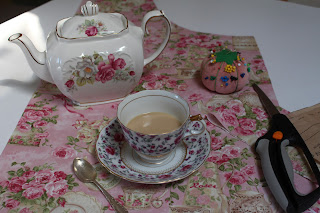 Sewing Aprons And Tea Time, Living From Glory To Glory Blog...