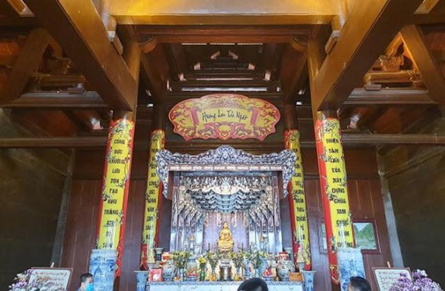 Khi chùa trở thành nơi kinh doanh thì chuyện thờ ai là quyền quyết định của Ban Trị sự