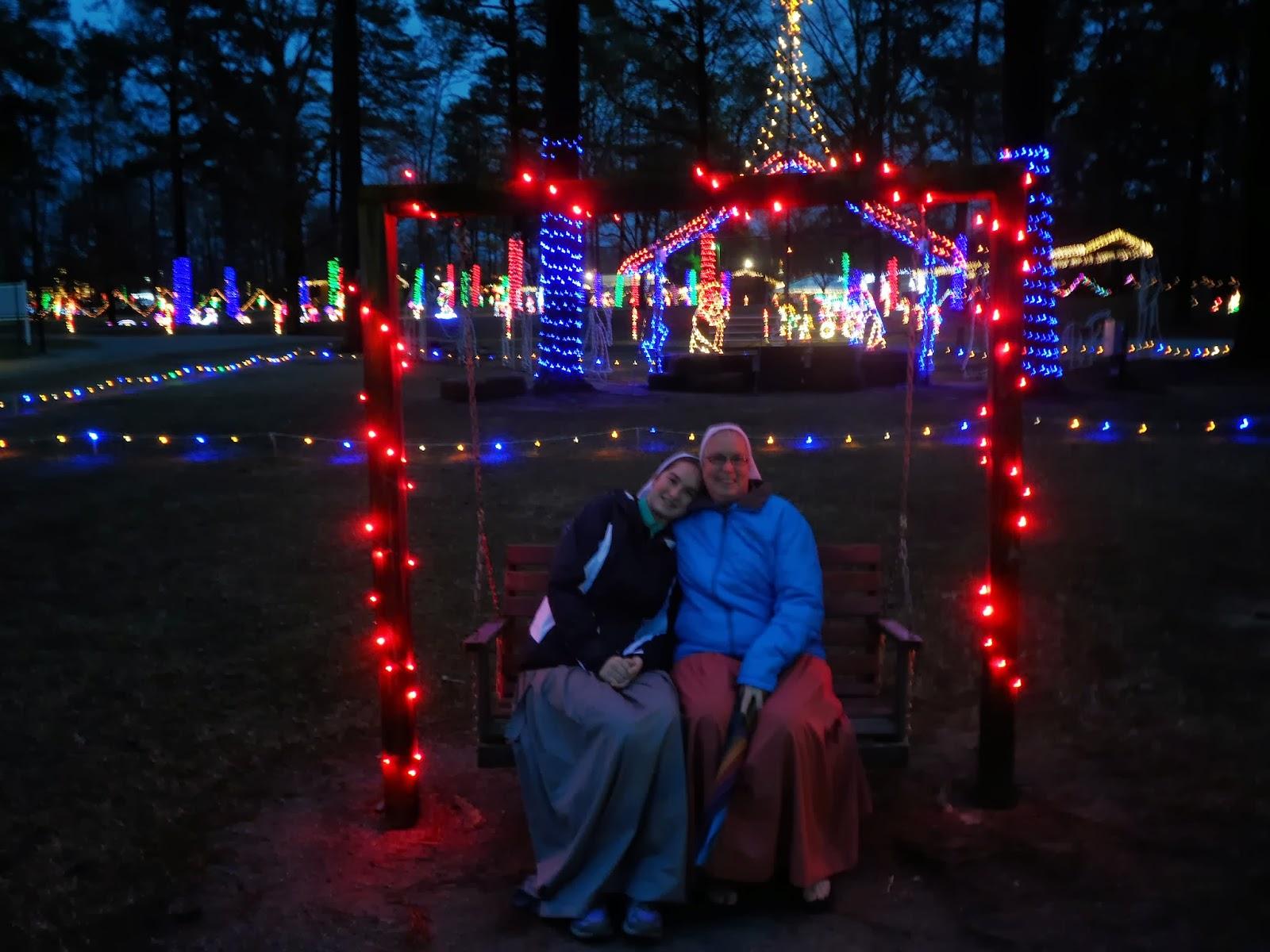 noccalula falls christmas lights   Christmaswalls.co