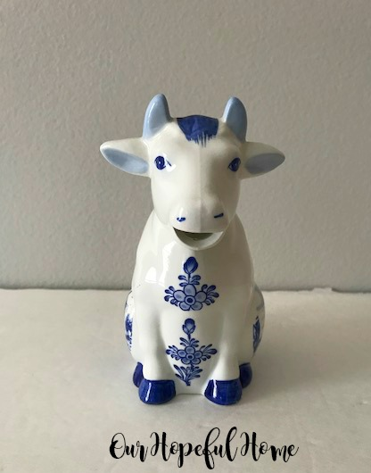 Delft Blue Cow creamer hand painted Holland