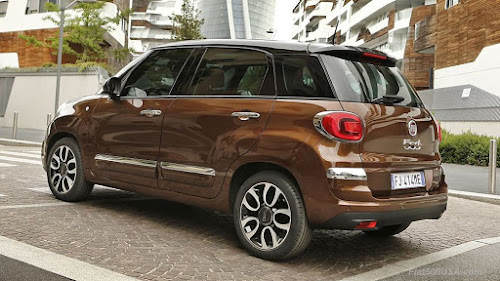 Redesigned Fiat 500L Urban Rear