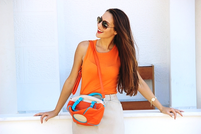 Mexx beige mini skirt.Orange knitted top.Color block bag.Ray-Ban brown sunglasses.Fresh summer looks.Najbolji letnji outfiti.