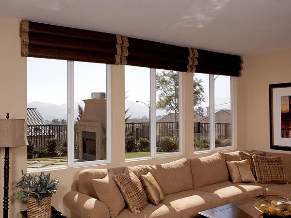 Living room window treatments ideas dream house experience for Living room window blinds