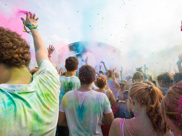 GEWINNSPIEL: Let's get bunt - Holi Colors Festival im Bonner Basecamp