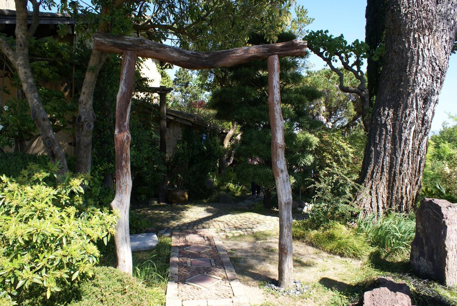 torii jardin zen garden erik borja