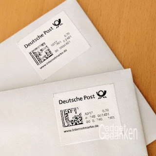 2 Briefumschläge mit selbst gedruckter Internetbriefmarke