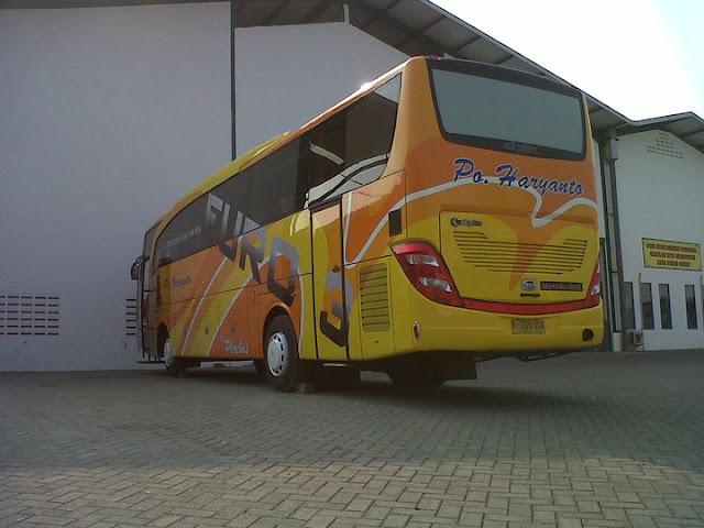 Arti Sticker Pada Bus Umum