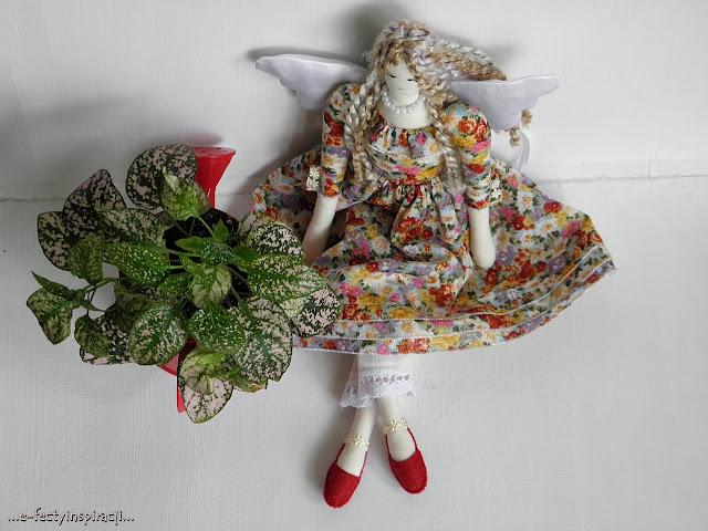 anielski opiekun, tilda, aiołek, jak uszyć tilde, szmaciana lala, rękodzielnictwo, hand made, pomysł na prezent, zabawki kolekcjonerskie, e-fectyinspiracji