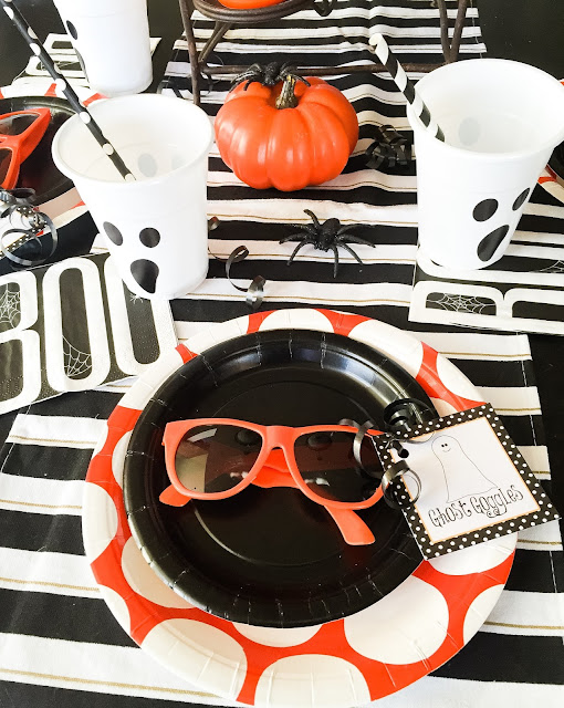 Super cute halloween party supplies.