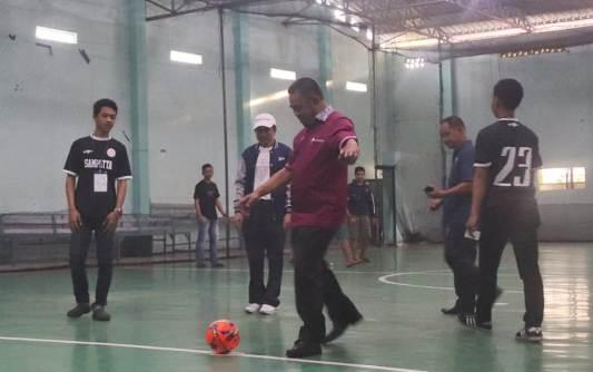 "Wabup Tendang Bola, Pertama ""SAMPUTTA FUTSAL CUP 2018"""