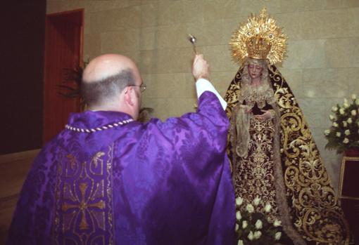 La Sagrada Cena será la primera hermandad de Córdoba en llevar dos hábitos de nazareno en su cortejo