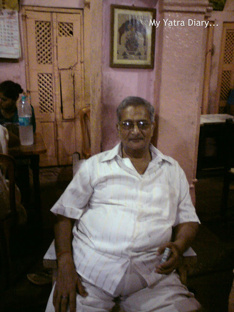 Owner of Gujarati Hindu Lodge, Mathura