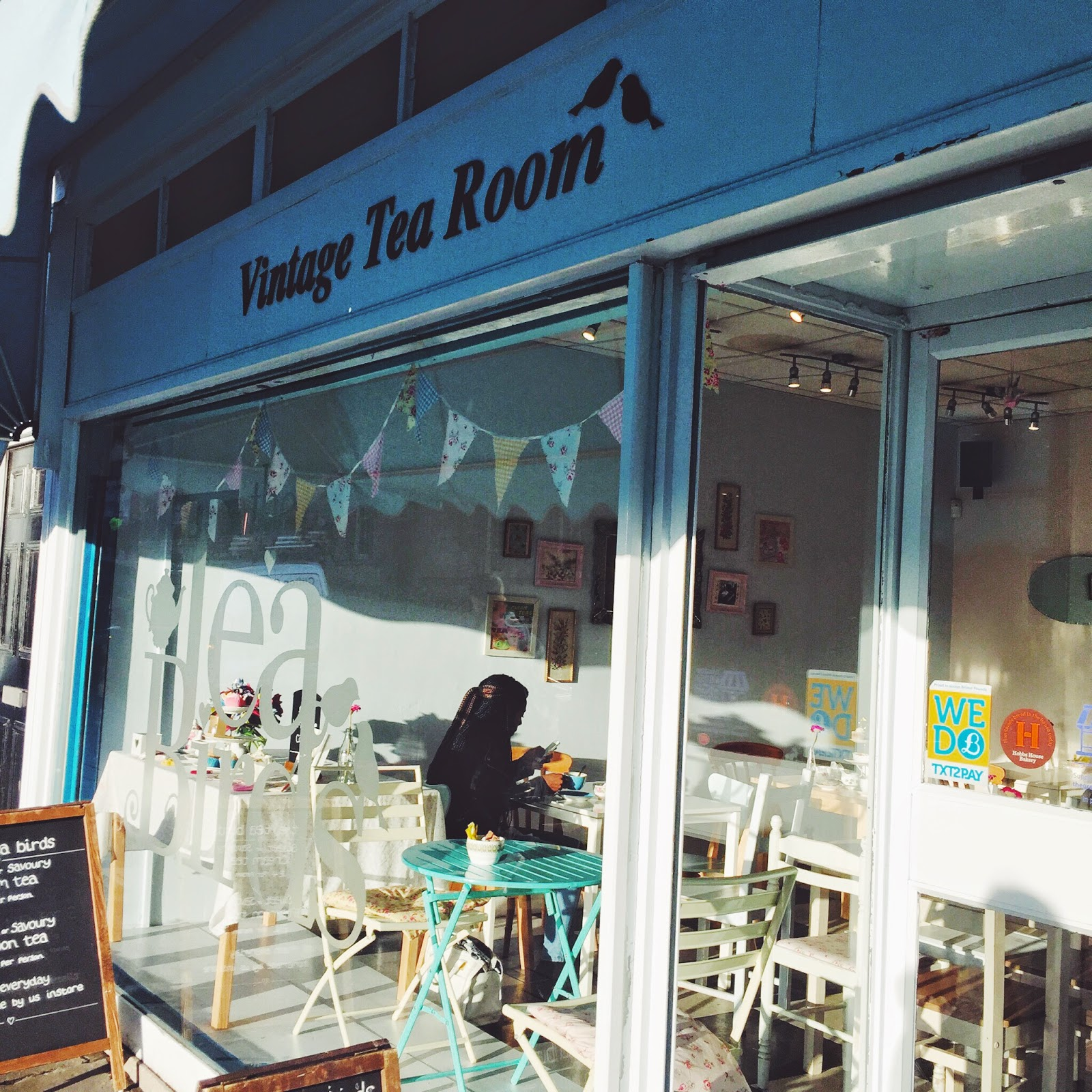 lbloggers, thingstodo, bristol, thingstodoinbristol, afternoontea, dayout, creamteas, sandwiches, fbloggers, cake, kitch, tea, retro, theteabirds, theteabirdsbristol