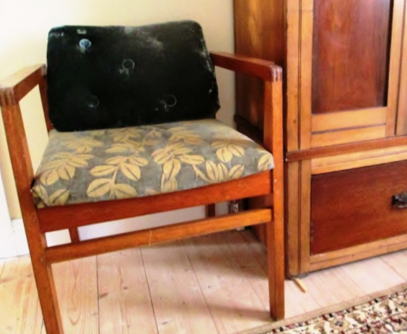Linge ancien all about reclaimed furnitures recycled for Cheap matching bedroom furniture