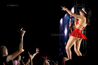 Charli+XCX+Goes+Shameless+Exposing+her+pussy+Boobs+Ass+Cemel+toe+Ass+Cleavages+Ass+Crack+Ass+Cheeks+on+Stage+thousands+of+Viewers+WOW+Public+Shame+%2838%29.jpg
